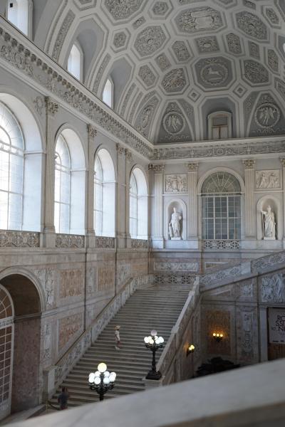 イタリア2日目 ナポリの王宮など