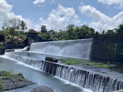 ルンプヤン寺院へ行く途中の休憩場所