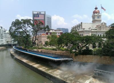 シンガポールからの国際バスでクアラルンプール旅