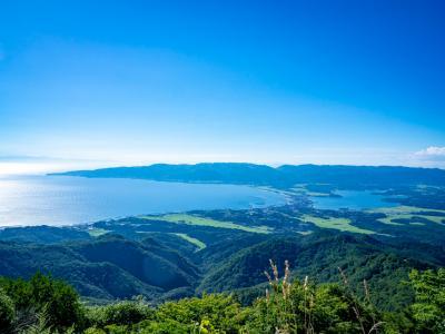 夏休みの佐渡島05: ヒャッハ~!!の海岸線ドライブで宿に着くも「予約しましたか?」と女将さんに言われる