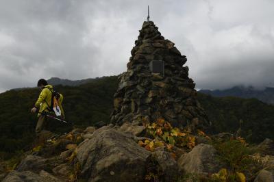 早秋の紅葉に鹿島槍ヶ岳カクネ里氷河が見えた!