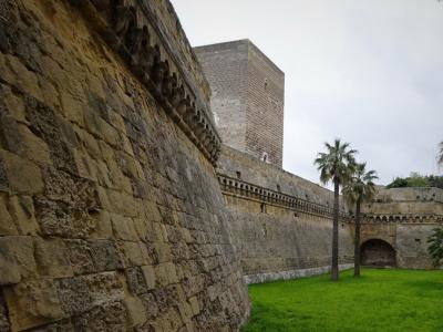 フェデリーコ2世紀行-11 バーリ、されど残影