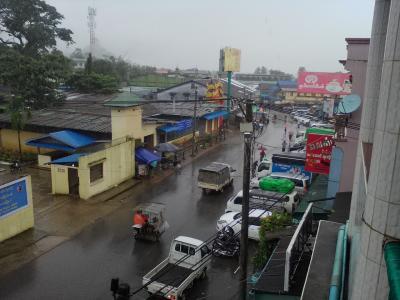 雨季のパアン…ほんと雨続き、けど飲み屋に救われた~