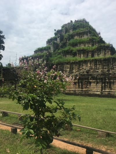 カンボジアの雨季の9月の末にコーケー遺跡群に行って来ました。