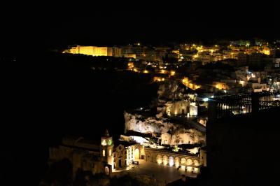 魅惑のシチリア×プーリア♪ Vol.621 ☆マテーラ:スイートルームから煌めく夜景を眺めて♪