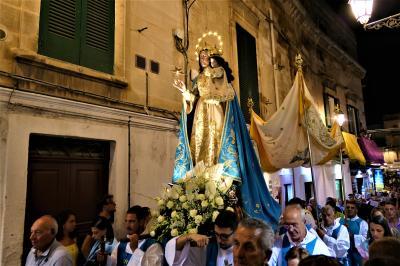 魅惑のシチリア×プーリア♪ Vol.653 ☆オストゥーニ:聖母マリアのお祭り行進♪