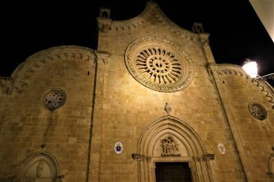 魅惑のシチリア×プーリア♪ Vol.656 ☆オストゥーニ:闇に浮かぶ妖艶な美しさオストゥーニ大聖堂♪