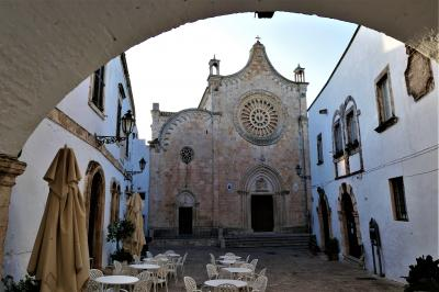魅惑のシチリア×プーリア♪ Vol.660 ☆オストゥーニ旧市街の朝散歩:誰もいない朝の風景は美しい♪