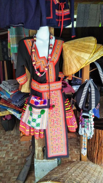 再びのルアンパバーン/モン族の村と三つの滝【1日目】~ラオス北部の山岳民族を訪ねて~