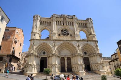 """夏旅スペイン、魔法にかけられた町""""中世のクエンカ旧市街""""散策"""