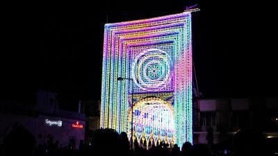 魅惑のシチリア×プーリア♪ Vol.677 ☆スコッラーノ:美しいルミナリエ祭り カラフルなパリの凱旋門♪