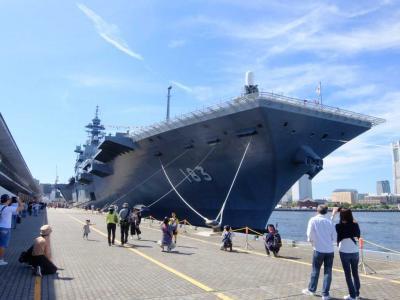 横浜港大桟橋での護衛艦(ヘリ空母)いずも一般公開