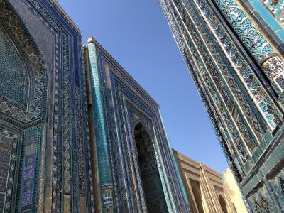 蒼の世界に浸るウズベキスタンの旅  6日目の2 サマルカンドの2 シャーヒジンダ廟群