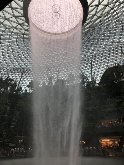 シンガポール週末旅♪成田空港発JALスカイスイートⅢビジネスクラスザフラートンアフタヌーンティ!