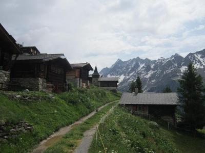 2019、シャモニー、サースフェーで山歩き、ちょっとイタリアで街歩き(その11 スイス版なまはげの谷レッチェンタールへ)
