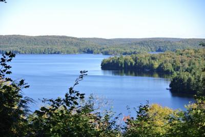 イエローナイフのオーロラと東カナダの旅(その3 ローレンシャン、アルゴンキン)