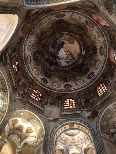 ラヴェンナの教会はモザイクが綺麗だ。ビザンチン文化です。