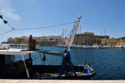 魅惑のシチリア×プーリア♪ Vol.699 ☆美しいガッリーポリ旧市街と古城 さようなら♪