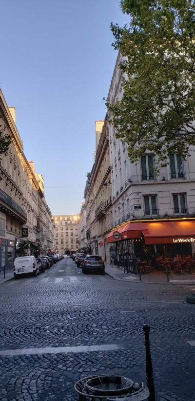 パリを自由に散策!