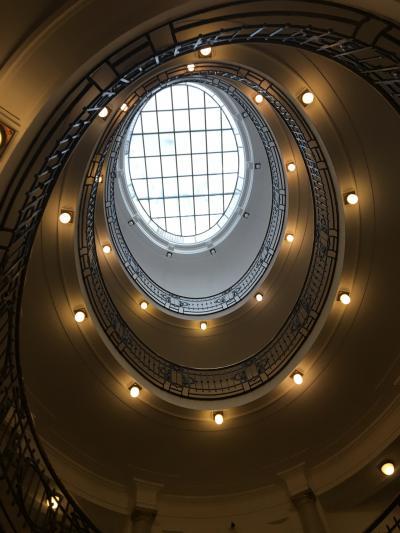 【現地速報】チェコ出張 (その9) プラハ⑦ 美しい、チェコ経済省内の螺旋階段!
