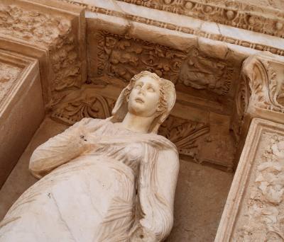6つの世界遺産を巡るトルコ(1)ドーハ経由エーゲ海の薔薇・エフェソスへ