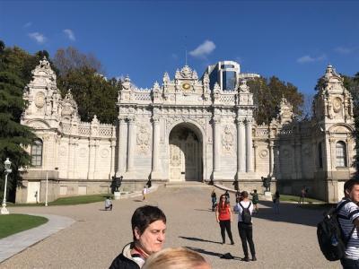 イスタンブール ドルマバフチェ宮殿、ボスポラス海峡クルーズなど