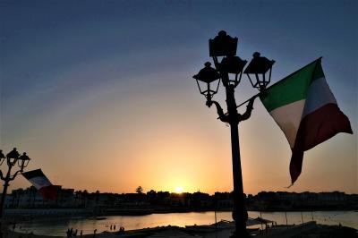 魅惑のシチリア×プーリア♪ Vol.714 ☆オートラント:旧市街から黄昏のオートラント湾と夕日♪