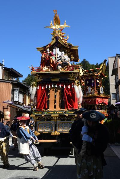 秋の高山祭: 快晴の空の下、屋台、からくり、宵祭を観覧し写真も撮影