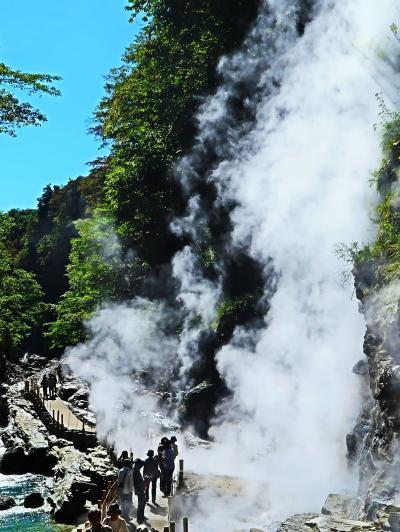 栗駒国定公園-2 小安峡・大噴湯(地熱貯留層の亀裂が露出)☆60m下まで300段/400段