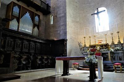 魅惑のシチリア×プーリア♪ Vol.779 ☆ビシェーリエ旧市街:美しいビシェーリエ大聖堂♪