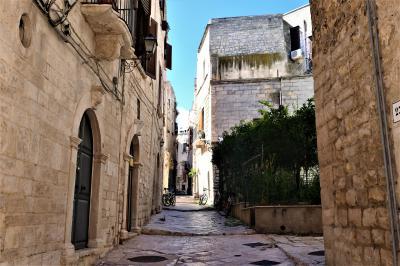 魅惑のシチリア×プーリア♪ Vol.781 ☆ビシェーリエ旧市街:路地裏は中世時代の面影♪