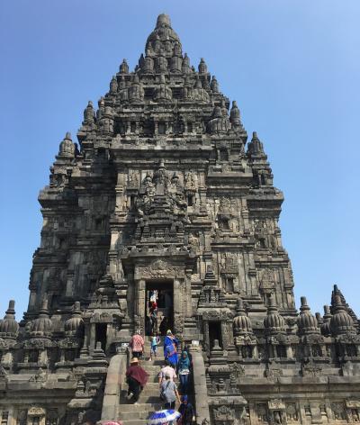 インドネシア旅行2日目:プランバナン寺院~ピンドゥル洞窟でチュービング~プラウィサタ劇場
