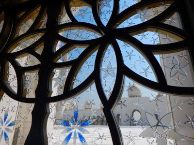 今年2度目のドバイ&アブダビ紀行3 アラブの太陽を浴びた白亜のグランドモスクへ