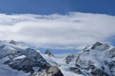 熟年夫婦、スイスアルプスを巡る③ 憧れの避暑地、サンモリッツからのハイキングで氷河に迫る