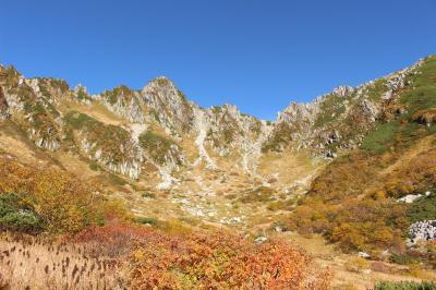 紅葉ピークの週末、千畳敷カールと木曽駒ヶ岳の紅葉を見に行ってみました。