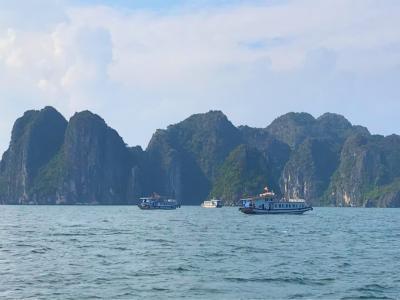 初めてのベトナム旅、ハロン湾クルーズと美味しいベトナムレストランへ③♪