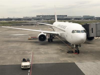 JALファーストクラスで大阪へ
