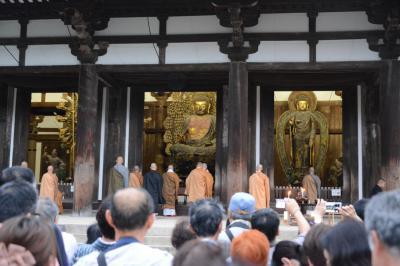 唐招提寺での中秋の名月観賞