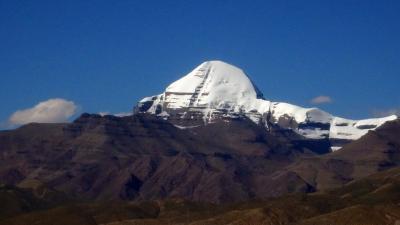 西チベット:カイラス山と北側から眺めるヒマラヤ、ナムナニ