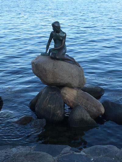 北欧一人旅☆コペンハーゲン1日目(宮殿、カナルボート、カレステット要塞、人魚姫など)
