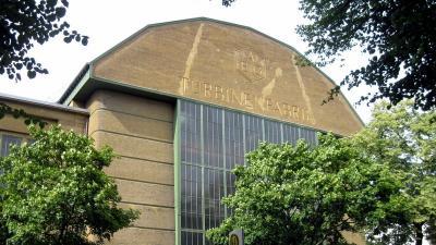 バウハウスの集合住宅 テルテンのジードルンク、ベルリンのバウハウス史跡 / 海外ツーリング-ドイツ編 8