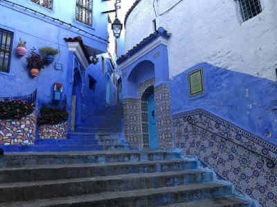 モロッコ1~2日目◆シェフシャウエン 猫と青の街でリアドに泊まる