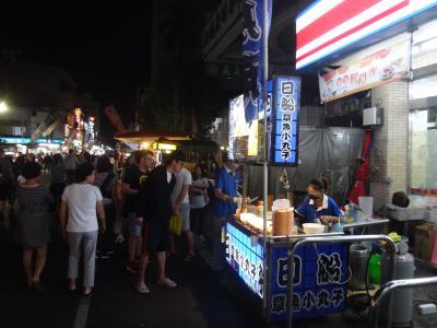 嘉義で、夜市グルメを堪能しながら、台湾ビールを飲んだくれ