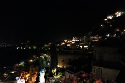 魅惑のシチリア×プーリア♪ Vol.503 ☆タオルミーナ:ジュニアスイートルームから素晴らしい夜景♪