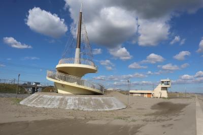 九十九里浜散策(1)・・釣ヶ埼海岸の東京オリンピックサーフィン会場と、サンライズ九十九里・九十九里ビーチタワーを巡ります。
