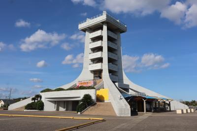 九十九里浜散策(2)・・片貝漁港の海の駅九十九里と蓮沼海浜公園展望塔・飯岡潮騒ふれあい広場を巡ります。