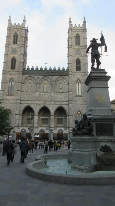 錦秋のカナダ・メープル街道を行く(2)- 2 ローレンシャン高原からモントリオールへ・旧市街を車窓観光