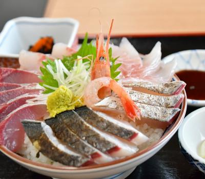 富山の美味しいものとおみやげクエストを求めて。 仕事の合間のバタバタ観光