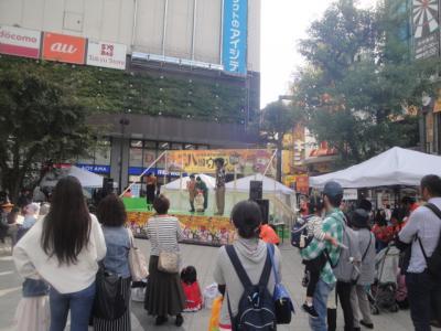 ハロウィーン 大田区蒲田グルメ 謎の車
