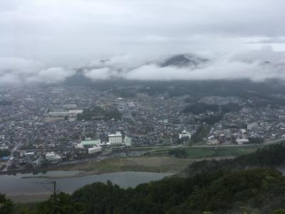 岐阜城に歩いて登ったら、雨に降られてずぶ濡れに……
